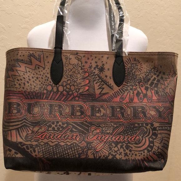 77164404897e Gorgeous Burberry Reversible Doodle Tote bag. NWT!